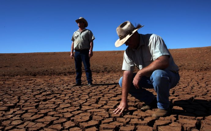 the mdba's man made drought: topher field (video).